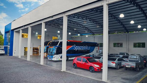 Estrutura de embarque, desembarque e estacionamento Spazzinitur®