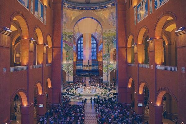 Interior da Basílica, em Aparecida do Norte