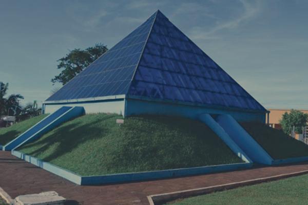 Pirâmide exotérica - Ametista do Sul
